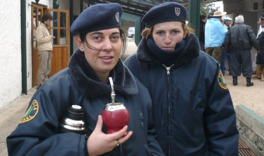 20100906203455-policias.jpg