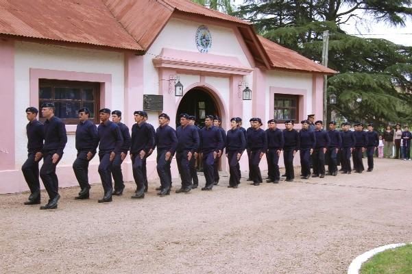 20110605004522-policias-novatos.jpg