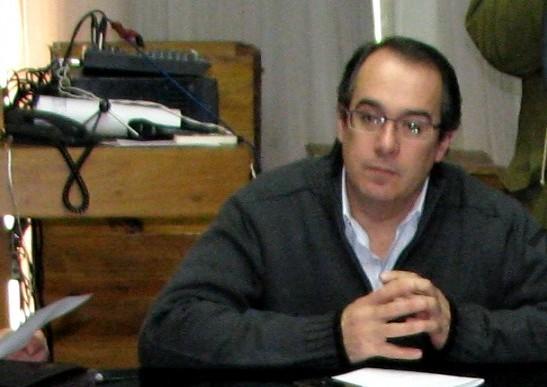 20110606232308-diputado-mahia-carlos.jpg