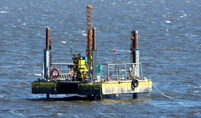 20120917005117-plataforma-en-atlantida.jpg