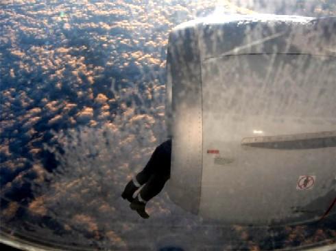 20130615203612-avion-motor-hombre.jpg