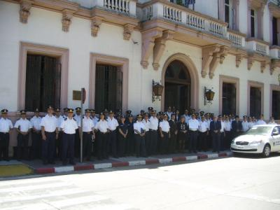 20131025160254-policias-canalones.jpg