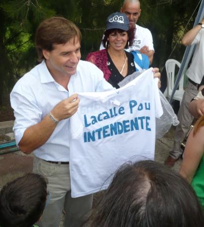 20091221150321-luis-lacalle-pou-intendente-canelones-1140846.jpg