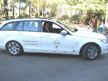 20100503153446-taxi-aeropuerto-de-carrasco.jpg