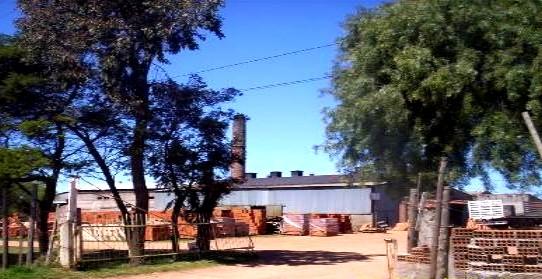 20101222000218-fabrica-de-tejas-paraje-del-toro.ruta-87.jpg