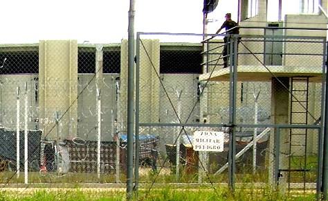 20110630150233-carcel-canelones-custodia-militar.jpg