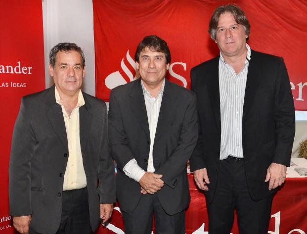 20111129173449-diputado-horacio-yanes-gerente-de-sucursal-pando-santander-enrique-gonzalez-ministro-de-economia-fernando-lorenzo.jpg