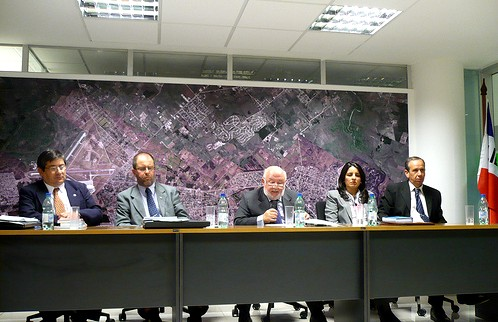20120426141636-legitima-defensa-panel.jpg