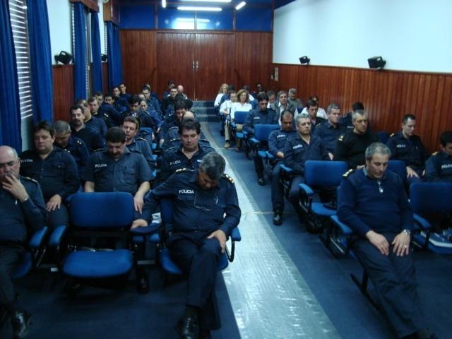 20120504145015-policias-en-isha.jpg