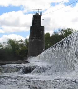 20130901134701-agua-represa-aguas-corrientes.jpg