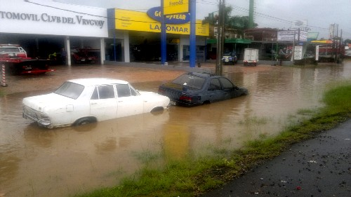 20140207125854-inundacion-av.-gianattasio.jpg
