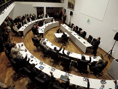 20141031144533-parlamento-de-canelones.jpg