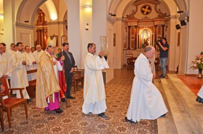 20161016135429-catedral-de-canelones-interior.jpg